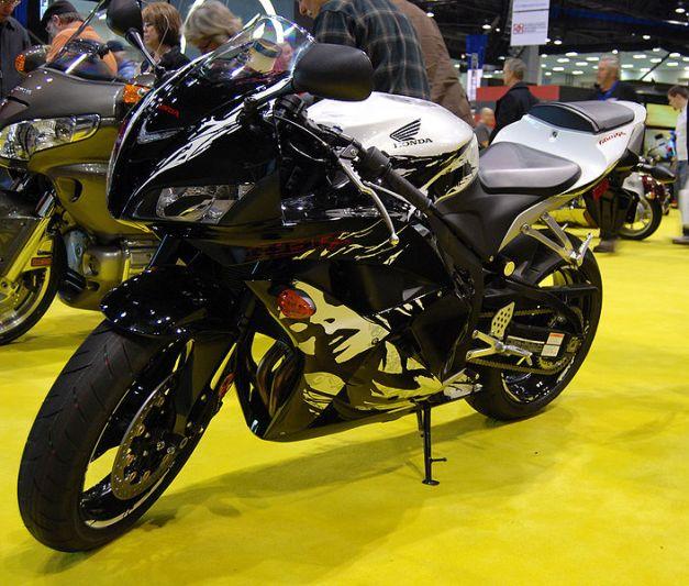 2009-2010-Honda_CBR600RR